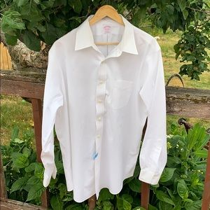 Brooks Brothers White cotton traditional 16.5-35